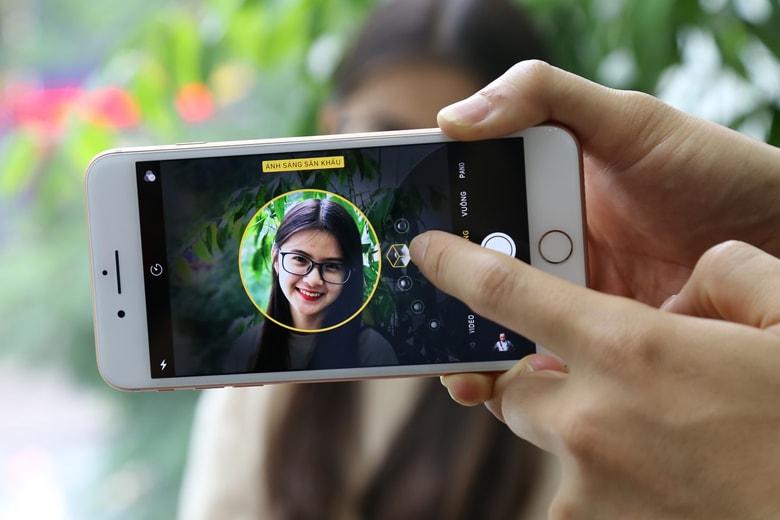 Thay camera sau iPhone camera tren iphone 1