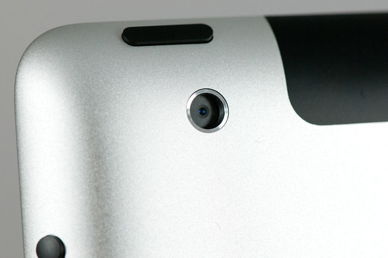 Thay camera sau iPad dau hieu camera ipad viendidong