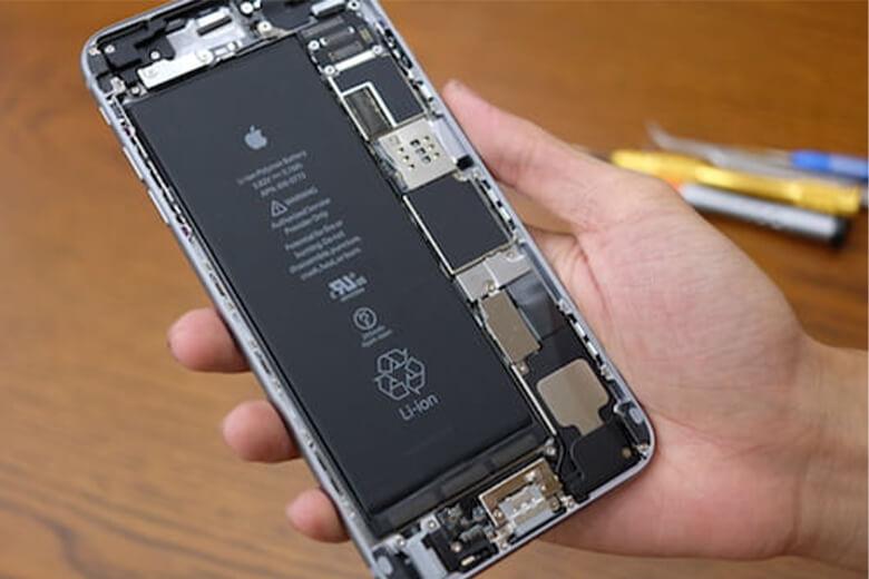 Tại sao Viện Di Động được đánh giá là một trong những nơi thay pin iPhone giá rẻ chất lượng nhất?