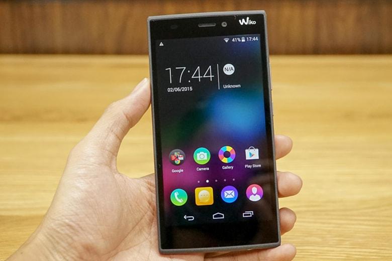 Thay kính cảm ứng smartphone khác man hinh cam ung wiko viendidong