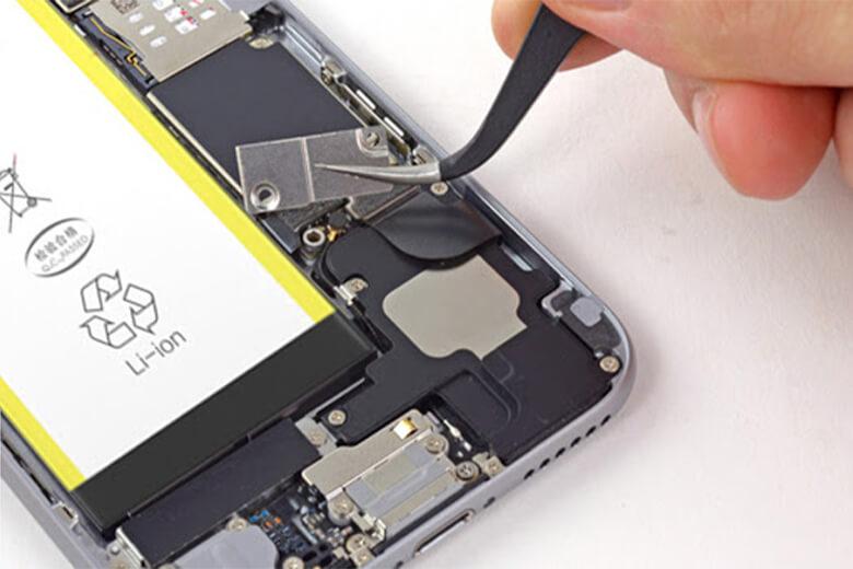 Pin Pisen iPhone 7 Plus có nguồn gốc xuất xứ rõ ràng, là thương hiệu sản xuất linh kiện nổi tiếng trên toàn thế giới bắt đầu hoạt động năm 1994 đến nay, pinPisen có 2 xưởng sản xuất lớn tại Trung Quốc với công suất hàng tỉ đô mỗi năm.Pin Pisen đạt được nhiều tiêu chuẩn quốc tế về chất lượng và độ an toàn tuyệt đối.