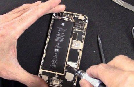Đang thay pin iPhone 6, 6 Plus