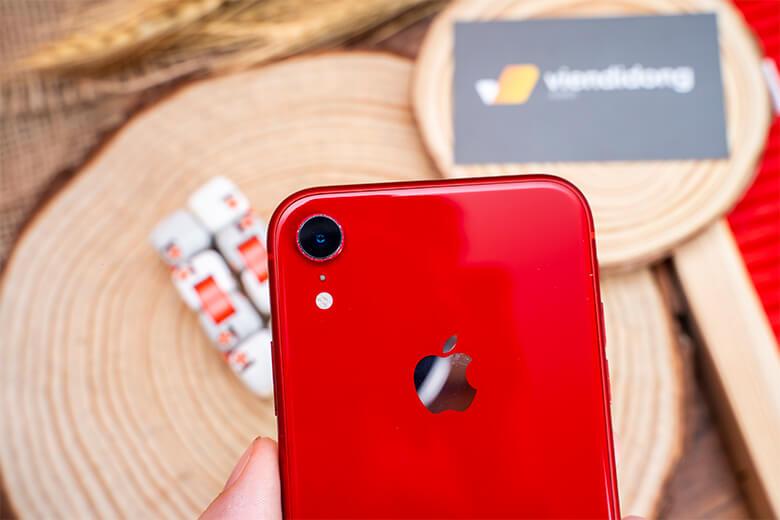 hế độ chụp ảnh ở chế độ Chân dung bằng ống kính phía sau, máy hoàn thành với hiệu ứng Boong nghệ thuật, bức ảnh chân dung người của iPhone Xr trông khá thuyết phục.