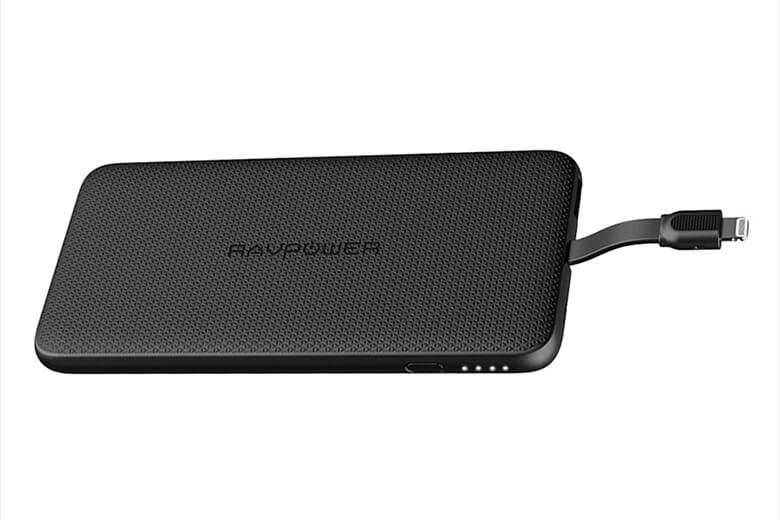 Pin sạc dự phòng RAVPower 10000mAh cổng Lightning (RP-PB099) mang trong mình dung lượng đạt đến 10000mAh cho phép người dùng sạc các thiết bị của mình nhiều lần trong ngày.