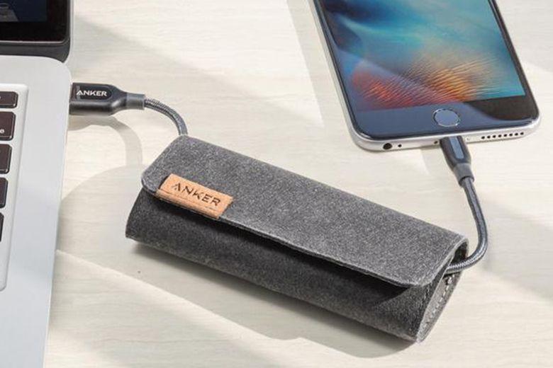 Ngoài ra bạn có thể giữ và buộc cáp Anker PowerLine+ trong túi đựng để dễ dàng di chuyển và bảo quản