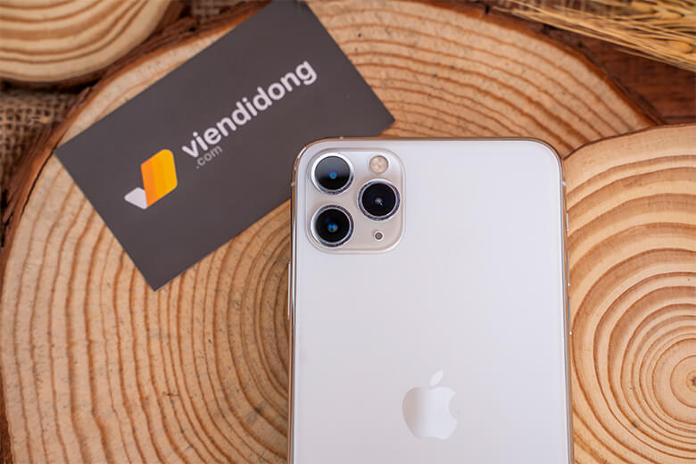 iPhone 11 Pro 64GB cũ là một trong hai điện thoại iPhone đầu tiên được Apple trang bị cụm 3 camera. Các cảm biến được trang bị có độ phân giải 12MP.