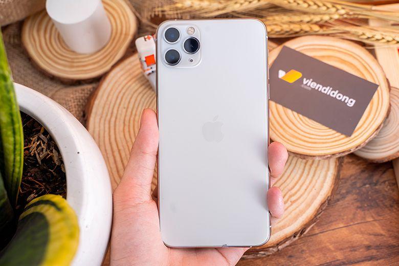 Mặt kính trên iPhone 11 Pro là loại kính cứng nhất từng được trang bị trên smartphone