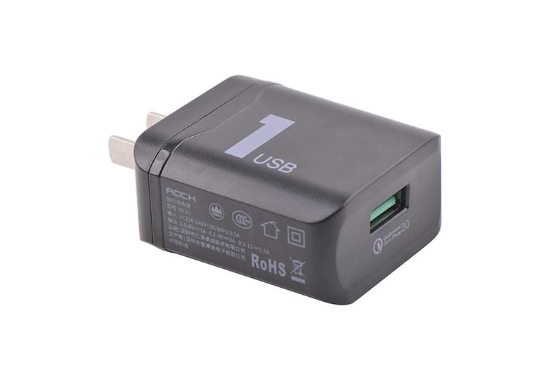 củ sạc đạt nhiều chứng nhận an toàn thiết bị điện tử trên thế giới như CCC của Trung Quốc, CE của Châu Âu, FCC của Mỹ và chứng nhận vật liệu không độc hại RoHS.