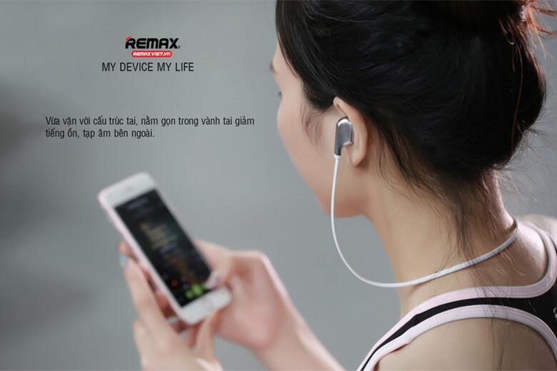 Tai nghe Bluetooth Remax S18 được nhà sản xuất chế tạo để có thể kết nối công nghệ Bluetooth 4.2 nhanh nhạy, hiện đại nhất thị trường cùng với khả năng kết nối ổn định trong phạm vi 10m mà không gây nhiễu, rè hay có tạp âm