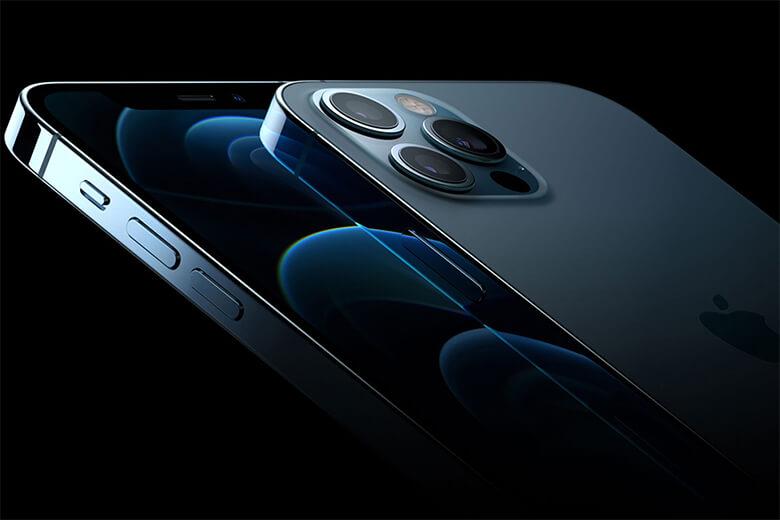 iPhone 12 Pro được trang bị camera góc rộng seven-element mới với khẩu độ f/1.6 mang lại hiệu suất ánh sáng yếu được cải thiện 27% cho ảnh và video. Thiết bịcòn có một ống kính siêu rộngvới trường nhìn lên đến 120 độ và một ống kính Tele 52mm cung cấp khả năng Zoom quang học 4x. Hơn vậy nữa, camera của máy sẽ có một cảm biến LiDAR và tính năng ProRAW khiến cho hình ảnh chân thực, rõ nét hơn kể cả trong điều kiện ánh sáng yếu nhất.