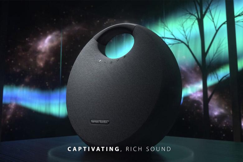 Loa Bluetooth Harman Kardon Onyx Studio 6 sở hữu thiết kế tinh tế và không kém phần sang trọng