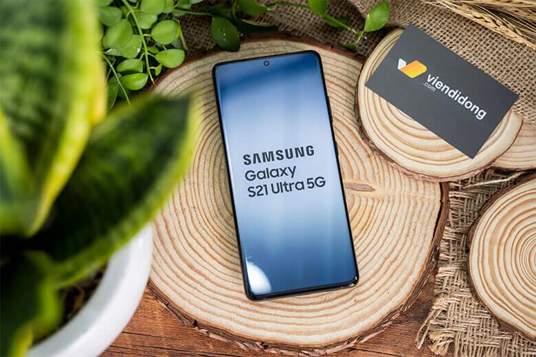 Galaxy S21 Ultra 5G còn có hiệu năng cực kỳ khủng với vi xử lý Exynos 2100 (5 nm) 8 nhân với (1x2.9 GHz Cortex-X1 & 3x2.80 GHz Cortex-A78 & 4x2.2 GHz Cortex-A55)