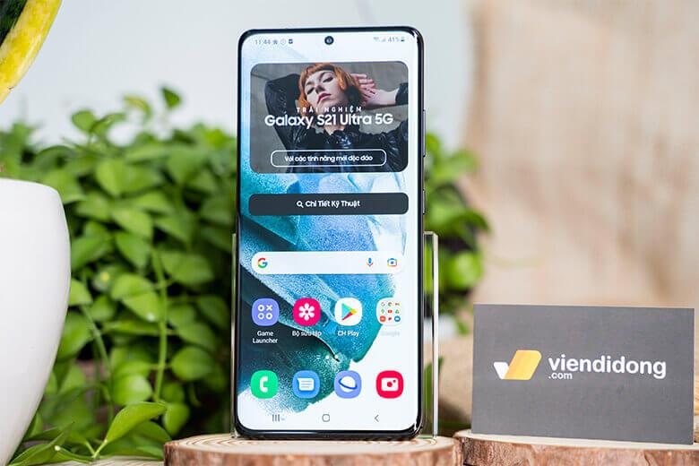 Bảo vệ cho màn hình tuyệt mỹ của Samsung Galaxy S21 Ultra 5G là kính cường lực Gorilla Glass Victus, loại kính cường lực ưu việt nhất từ trước đến nay.