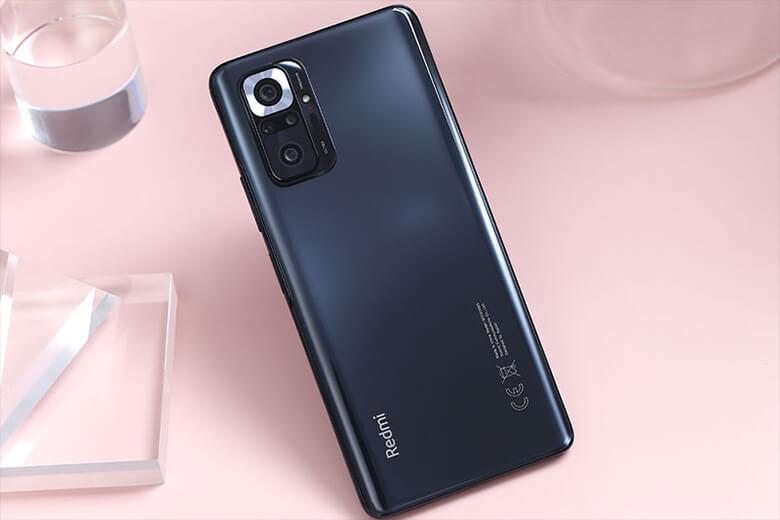 Cấu hình của thiết bị này bao gồm bộ vi xử lý Snapdragon 732G, RAM 6/8GB và bộ nhớ trong 128/256GB chạy trên nền hệ điều hành MIUI 12 dựa trên Android 11 mới nhất