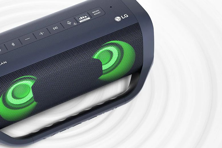 Chức năng SOUND BOOST khuếch đại công suất âm thanh và mở rộng trường âm thanh