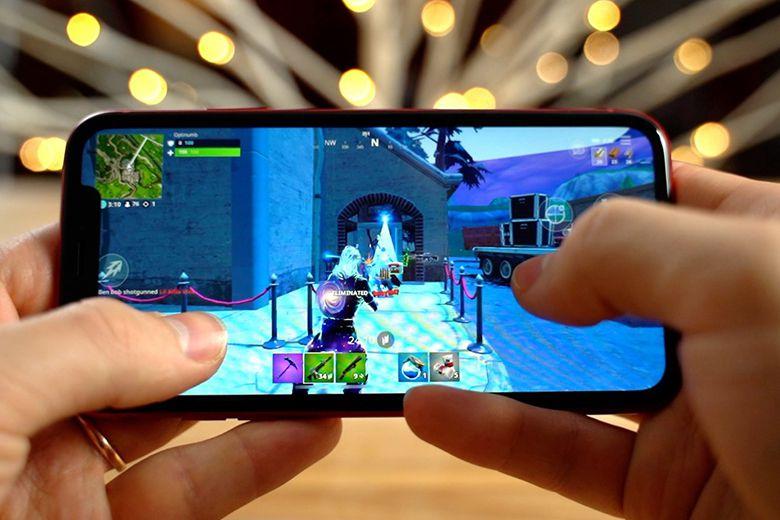 Với tầm giá khoảng 8 triệu, nên mua iPhone Xr cũ hay Galaxy A52 mới? choi game tren iphone xr viendidong