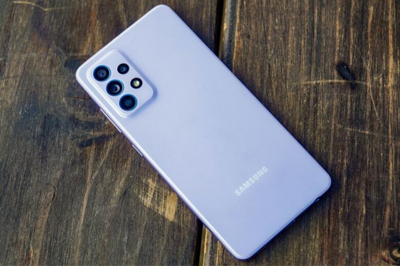 Galaxy F52 5G sẽ được cung cấp một viên pin có dung lượng 4.350mAh nhiều hơn so với dòng Galaxy A52 5G.
