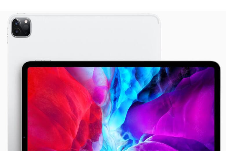 iPad Pro 11 inch mới có camera trước 12MP Ultra Wide với trường nhìn góc 120 độ so với camera trước góc rộng 7MP tiêu chuẩn trên thế hệ trước. Và được trang bị thêm máy quét độ sâu LiDAR nhằm cải thiện trải nghiệm chụp ảnh và gọi video.