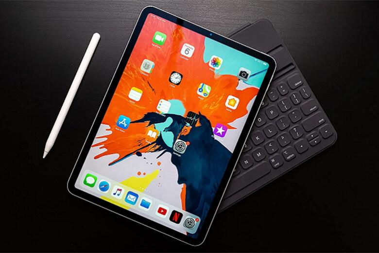 iPad Pro 2021 12.9 inch Wifi sẽ được hỗ trợ bàn phím Magic được cải tiến thêm về phần màu sắc, bàn phím Magic sẽ có màu trắng.