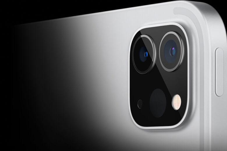 iPad Pro 2021 12.9inch M1 128GB 5G đi kèm với một máy ảnh rộng 12 megapixel f/1.8 và 10 megapixel siêu rộng f/2.4 ở phía sau của chúng. Chúng cũng có khả năng thu phóng quang học 2x, zoom kỹ thuật số 5x và đèn flash True Tone sáng hơn, cũng như Smart HDR 3 cho ảnh.