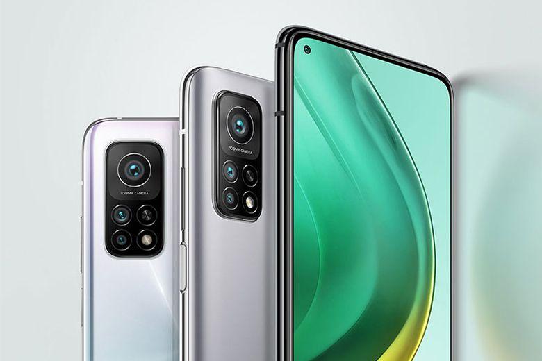 Ở mặt sau cụm camera được thiết kế với hình dáng quen thuộc là mô-đun chữ nhật đứng với cách sắp xếp camera độc đáo tạo nên sự mới lạ và thu hút cho sản phẩm.