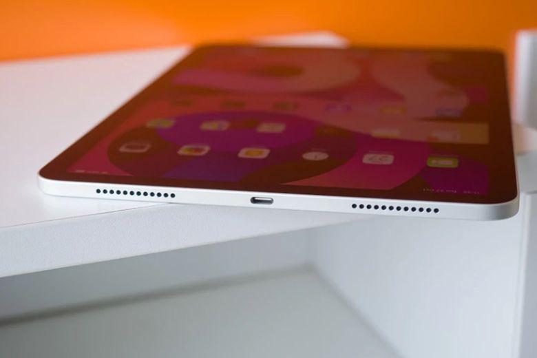 iPad Pro 2021 vs iPad Air phụ kiện và cổng USB