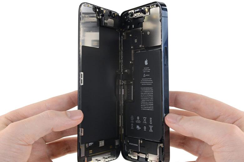 Thay pin iPhone 12 Pro chỉ mất tầm 15-20 phút