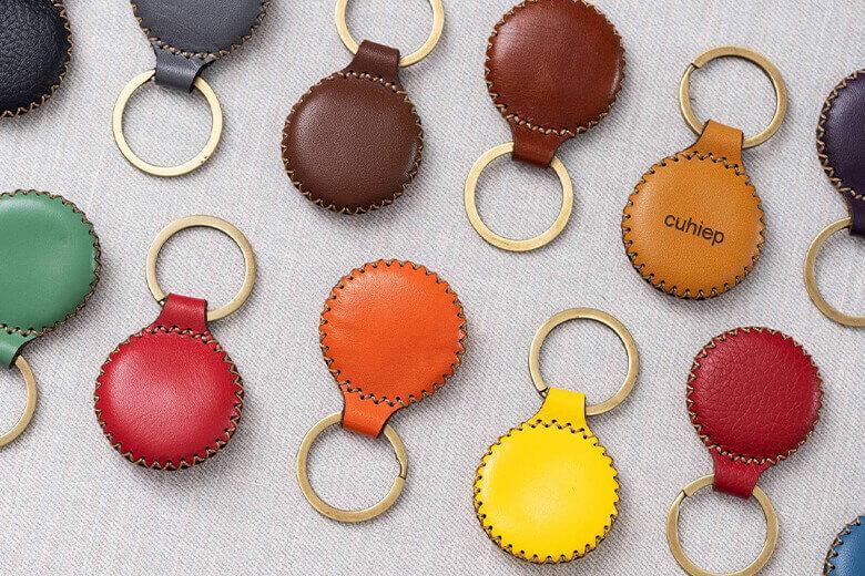 Bao da AirTag SEN có hơn 20 phiên bản màu sắc dây đeo khác nhau cho khách hàng có thể thoải mái lựa chọn theo đúng với sở thích của mình