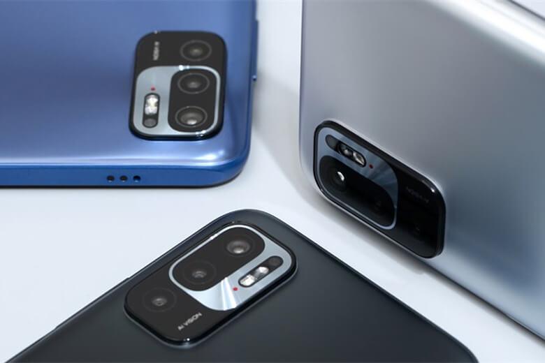 Redmi Note 10 5G sở hữu cho mình bộ 4 cụm camera sau với độ phân giải cao bao gồm cảm biến chính 48MP hỗ trợ chụp ảnh góc rộng, nhưng tiếc thay, điện thoại sẽ không có camera góc siêu rộng 8MP như dòng Redmi Note 10
