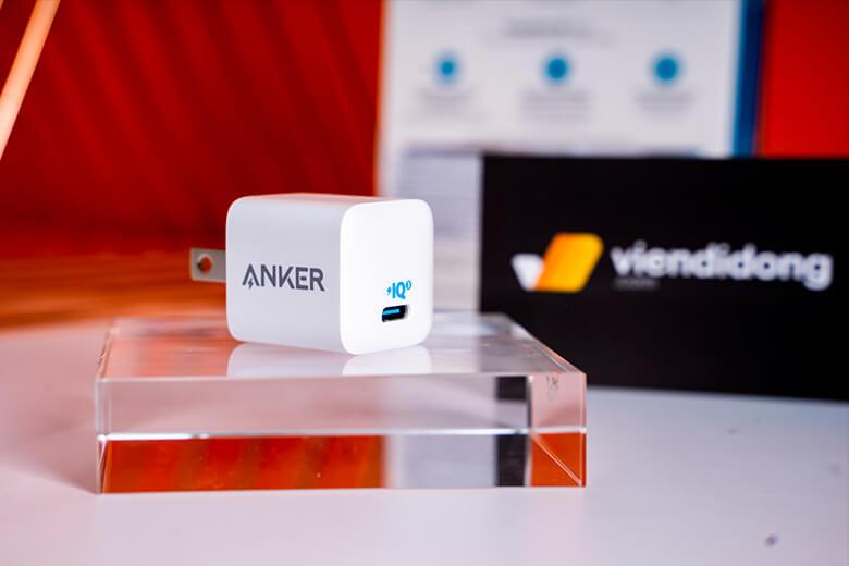Công nghệ sạc PowerIQ được thiết kế cho của sạc, nâng tầm thông minh của phụ kiện lên, cho phép sạc phù hợp với vô số thiết bị và có thể tự điều chỉnh đầu ra phù hợp.