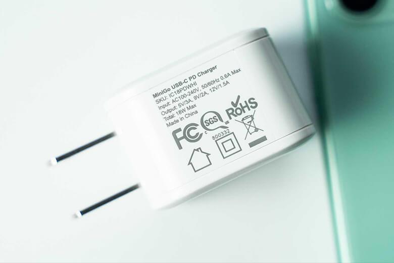 Củ sạc Energizer đầu kết nối có thể lên tới 5 đầu chuẩn USB tương thích với nhiều loại cáp sạc khác nhau như Lightning, Micro USB, USB Type-C,...