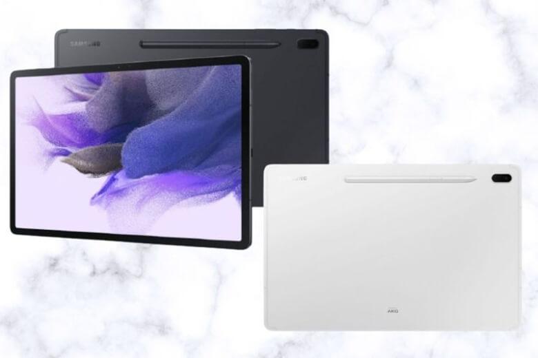 Galaxy Tab S7 FE cũng hỗ trợ đầu vào S-Pen cùng với đăng ký Clip Studio sáu tháng. Giống như hai dòng Galaxy Tab đi trước, thiết bị cũng sẽ được thiết kế mặt sau có rãnh để có thể cài được S-Pen vào máy
