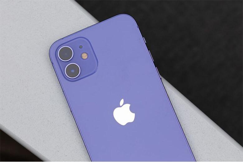 iPhone 12 128GB màu tím (Purple) có thiết kế camera mặt sau với cụm 2 ống kính có độ phân giải lên đến 12MP với một góc siêu rộng f/2.4, một ống kính góc rộng f/1.6 và mộtcamera selfie độ phân giải 12MP (f/2.2). Dựa trên độ phân giải này, iPhone 12 128GB màu tím có thể xuất ra những hình ảnh chân thật và chi tiết đối với vật chụp có độ phức tạp cao.