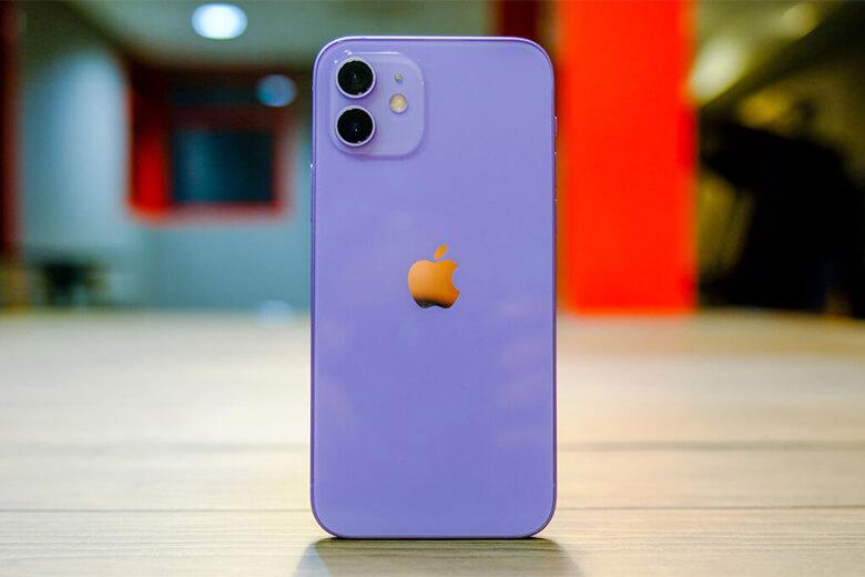 iPhone 12 128GB màu tím (Purple) mang bên trong một con chip A14 Bionic tiên tiến bậc nhất của Apple thời điểm hiện tại. A14 Bionic được sản xuất trên tiến trình 5nm kèm theo chip cấu hình GPU khiến cho mọi tác vụ đều trở nên mượt mà,không có hiện tượng giật lag hay đơ máy.