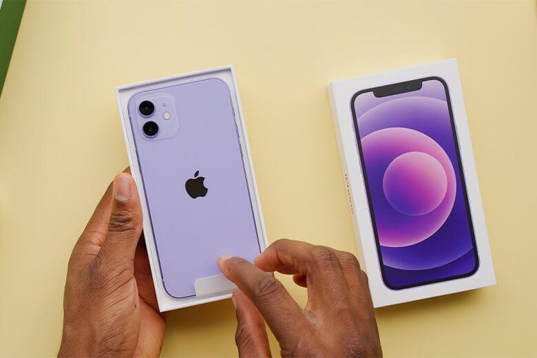 iPhone 12 mini 128GB màu tím (Purple) được trang bị một viên pinlithium-ion 2227mAh.
