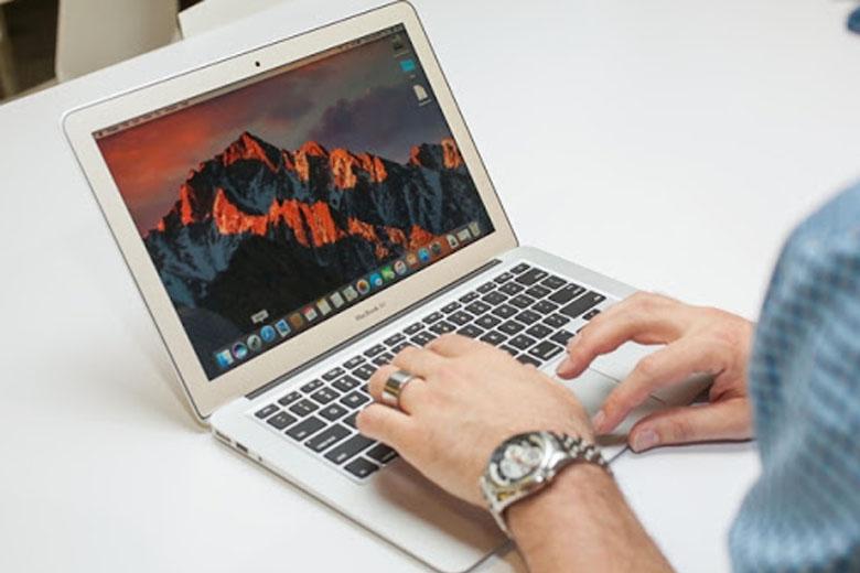 Macbook Air là dòng máy laptop rẻ nhất của Apple hiện nay