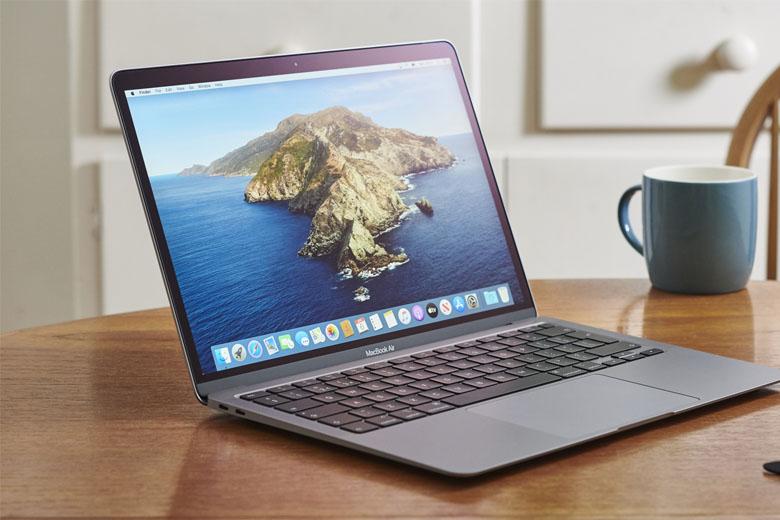 Macbook cũ có nhiều ưu điểm như thiết kế nhỏ gọn, pin tốt
