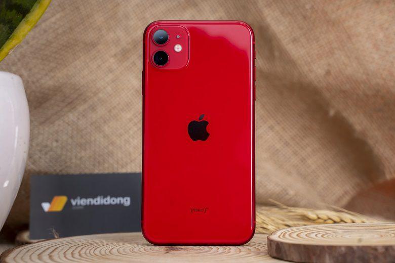 iPhone 11 không kém phần sang trọng