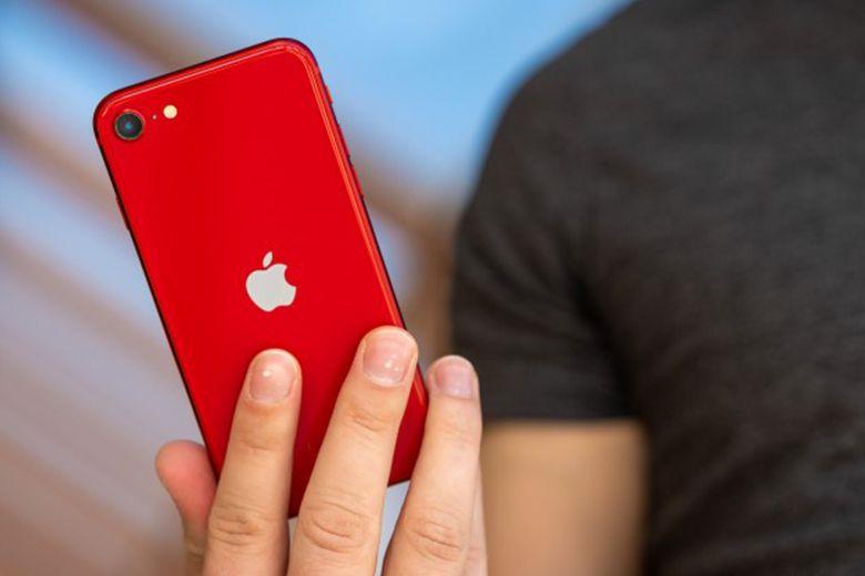 Mặt sau điện thoại iPhone SE 2020