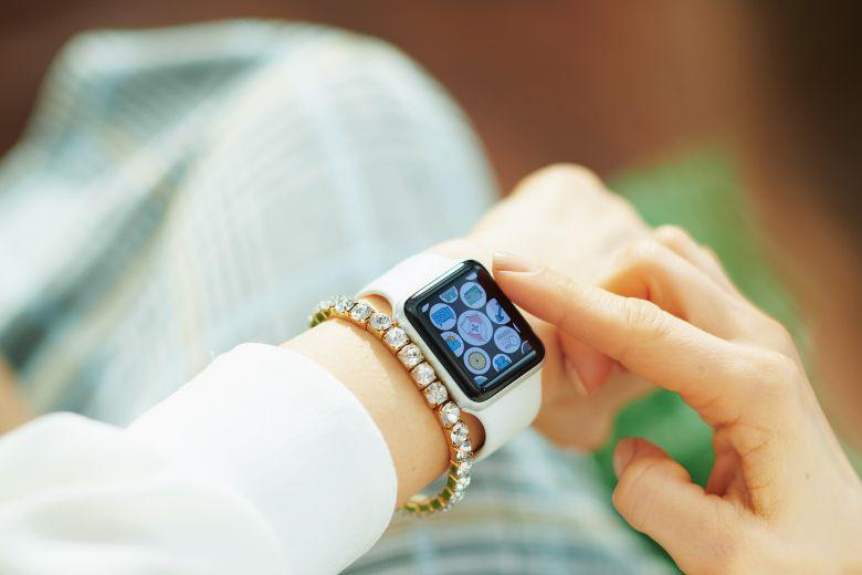 Sử dụng với Apple Watch để theo dõi sức khỏe