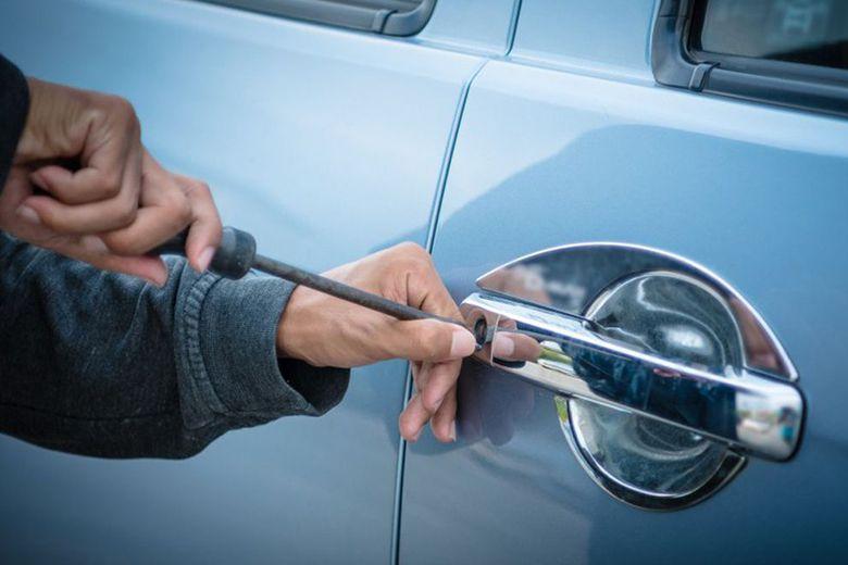 Tìm kiếm ô tô bị mất trộm bằng AirTag