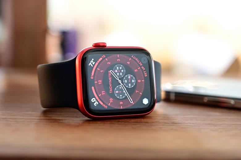 Apple Watch Series 6 có pin cao cùng sạc nhanh chóng