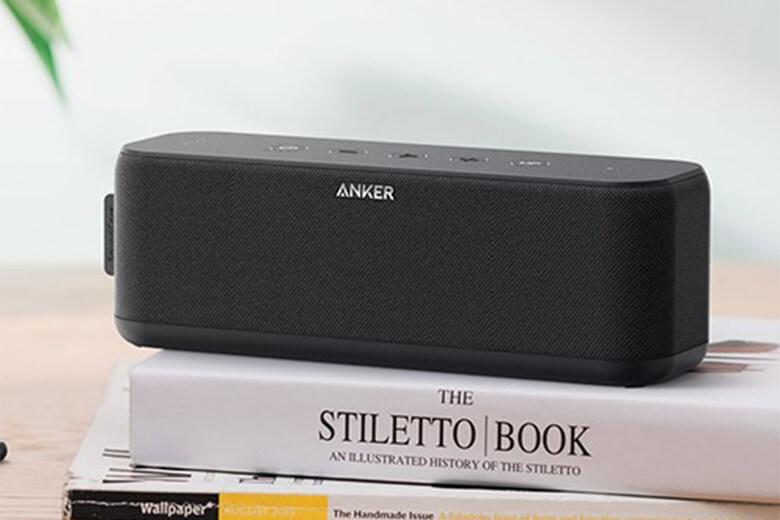 Thiết bị có hỗ trợ kết nối Bluetooth 4.0 thông minh, vừa giúp loa có thể kết nối với các thiết bị khác như laptop, smartphones một cách nhanh chóng